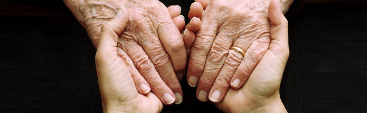 Prix Santé, Schweiz. Pflege und Spitex für Senioren. Begleitung im Alltag zu Hause oder im Pflegeheim.