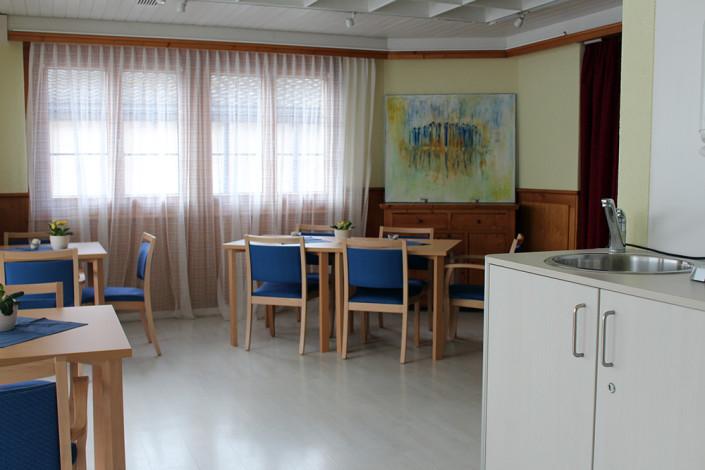 Impressionen des Esszimmers und Aufenthaltsraums in unserem Pflegeheim in Uster