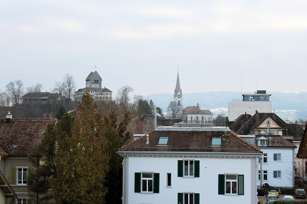 Aussicht von einem Balkon des Pflegeheims im Zentrum von Uster