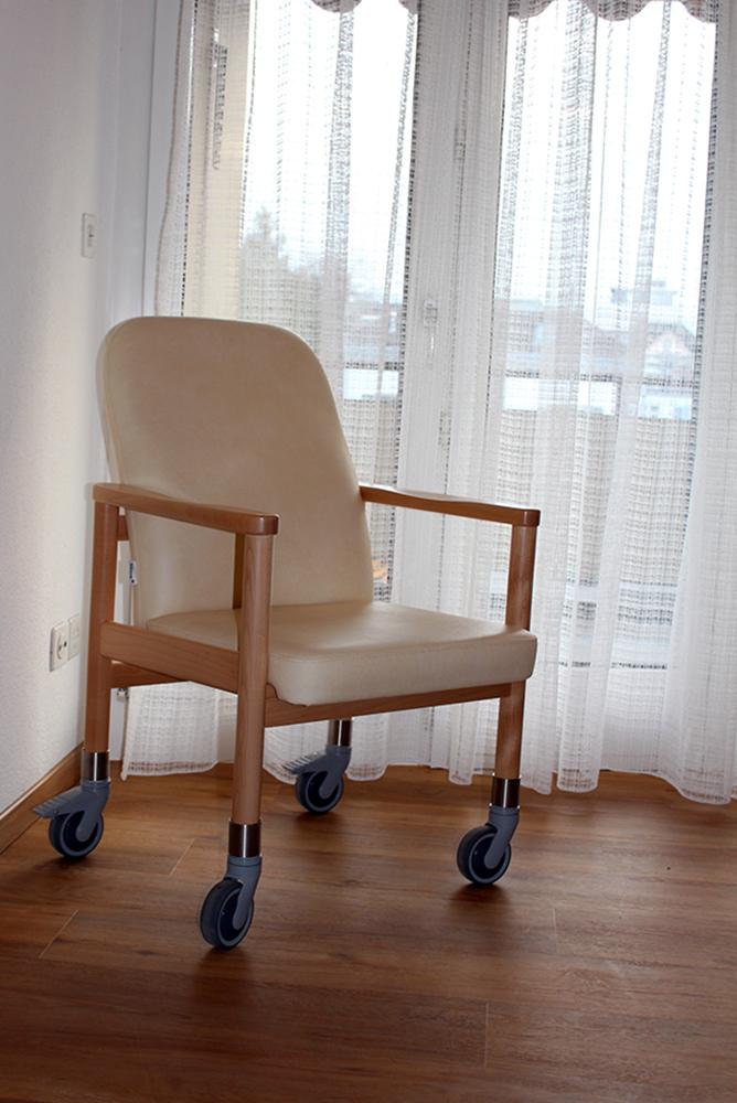 Hilfsmittel zur Unterstützung im Alltag im Pflegeheim